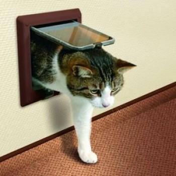 Trixie / Трикси Дверца д/кошек с 2-мя функциями 14,7*15,8см коричневая 38603